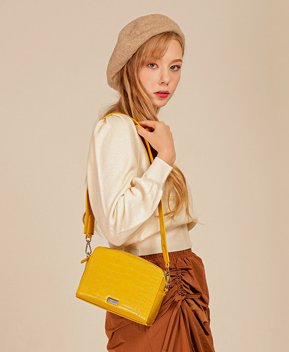 [록체] Molly Square Bag Yellow