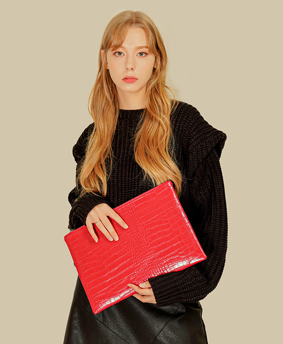 [록체] Connie Clutch Bag Red