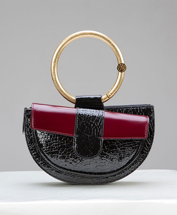 [아라크나인] ENVY BELT BAG- wine crack black