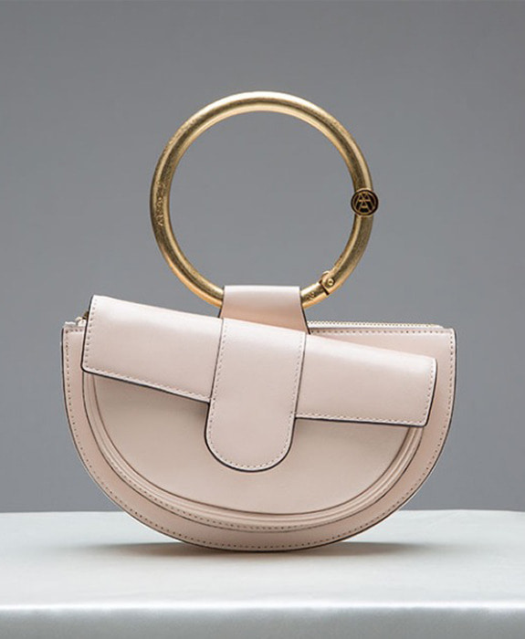 [아라크나인] ENVY BELT BAG- Powder beige