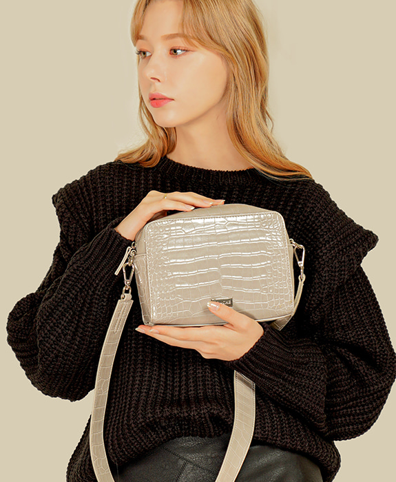 [록체] Molly Square Bag Light gray